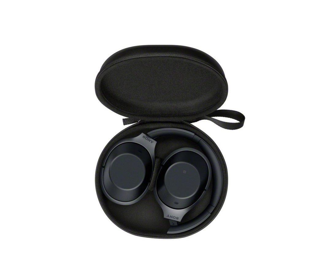 Sony MDR 1000X im Case