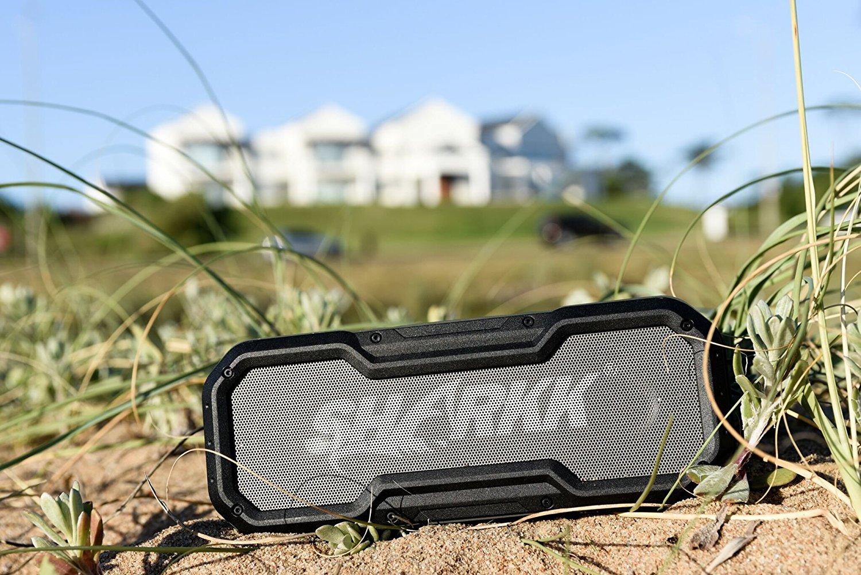 Sharkk Commando im Freien