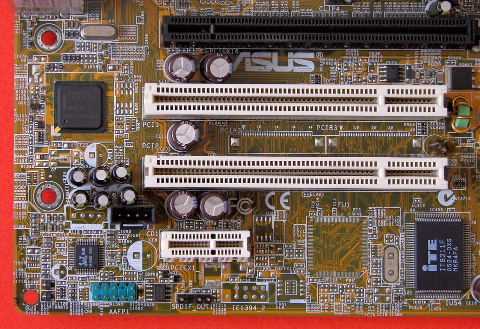 PCI Slots auf Motherboard