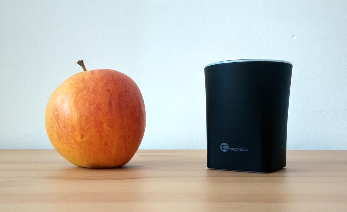 TT-SK05 und ein Apfel
