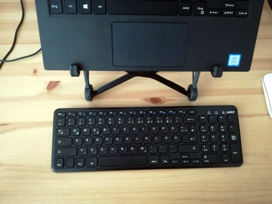 Tastatur mit Laptop