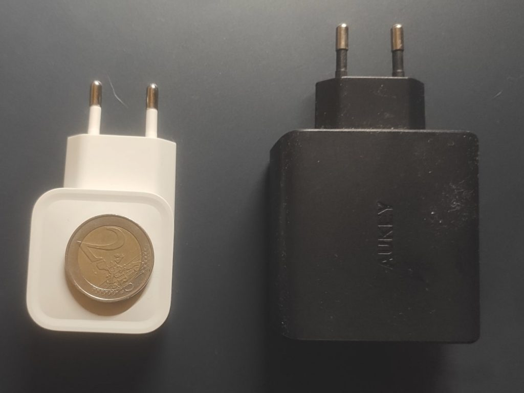 USB C Ladegerät Größenvergleich